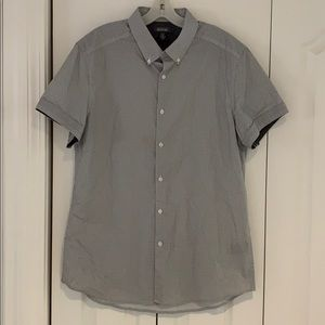 Kenneth Cole Reaction button down tee